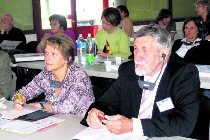 Inge Kurka und Manfred Medinger (Zweiter Vorsitzender des Partnerstadtvereins Stetten/St. Pierre) vertraten Kernen beim deutsch-französischen Kolloquium in Savoien. Auch sie waren von der Qualität der Debatte angetan. Bild: Milandre